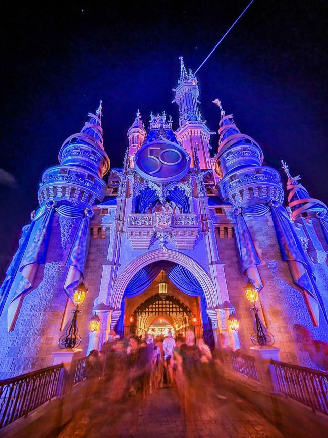 cinderella-castle-50th-anniversary_lazar