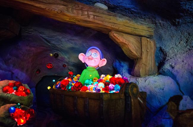 facts about seven dwarfs mine train: dopey