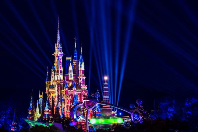 cinderella-castle-night_what-does-disney-world-look-like_sapp