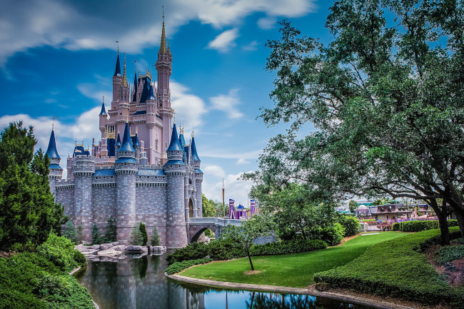 cinderella-castle_what-does-disney-world-look-like_svenson
