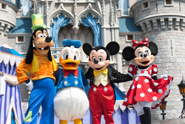 mickey-and-friends_what-does-disney-world-look-like_sapp