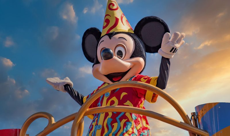 mickey-mouse_what-does-disney-world-look-like_featured_billick
