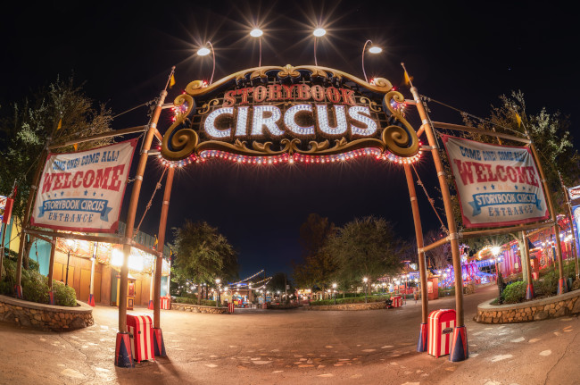 storybook-circus_night_what-does-disney-world-look-like_helms