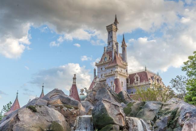 beast-castle_tokyo-disneyland_tdr-explorer