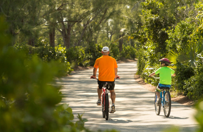 biking-on-castaway-cay_things-to-do-on-castaway-cay_kent-phillips_dcl
