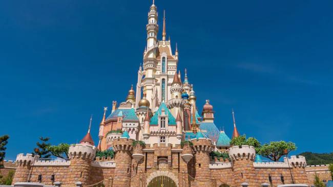 castle-of-magical-dreams_disney-castles_hong-kong_disney