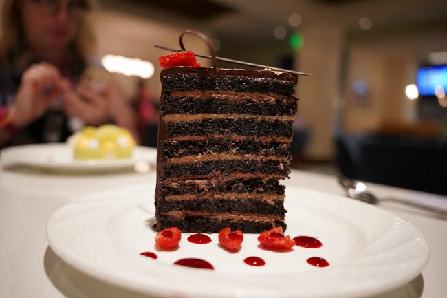 chocolate-cake_steakhouse-71-menus_shuster