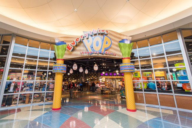 everything-pop-shopping-and-dining_reasons-to-stay-at-pop-century-resort_sapp