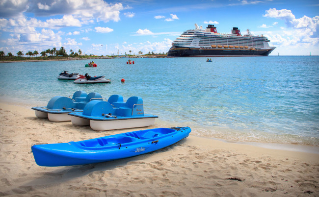 kayaking_things-to-do-at-castaway-cay_smith