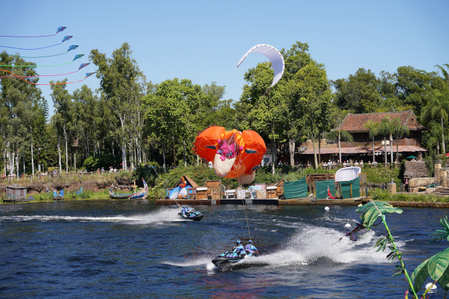 king-louie-jet-skis_kitetails-review_shuster
