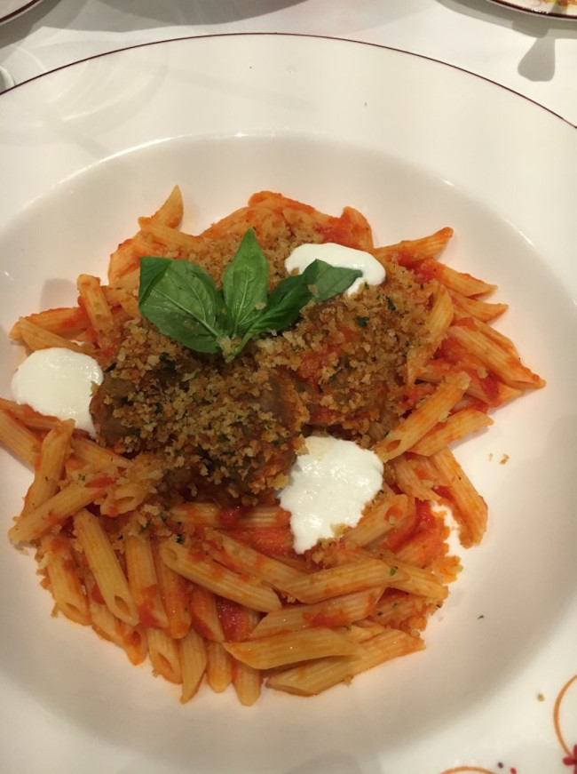 meatballs-and-pasta_food_marvel-day-at-sea-disney-cruise_freilich