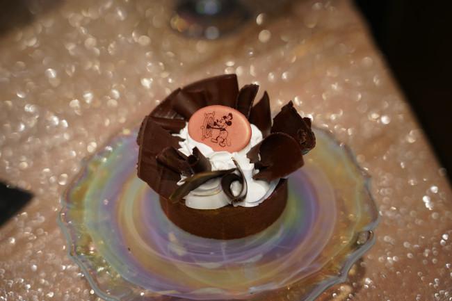 pressed-penny-silk-pie_walt-disney-world-50th-anniversary-food_shuster