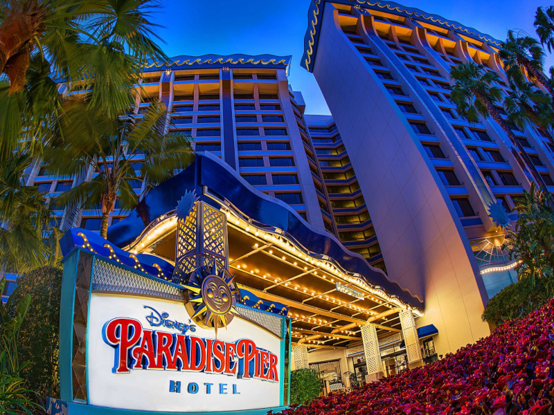 Pros and Cons: Paradise Pier Hotel at Disneyland