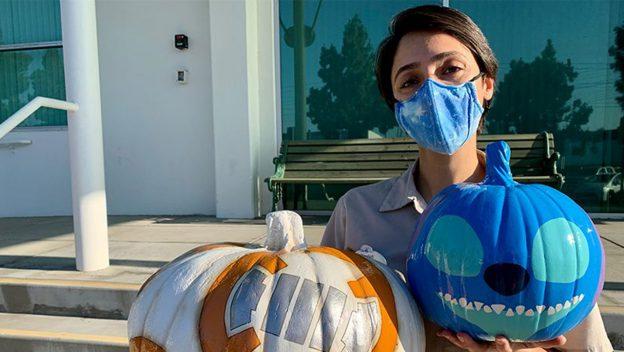 sara-dehghan-with-plutos-pumpkin-pursuit-bb-8-and-stitch-downtown-disney-district_disney-parks-blog