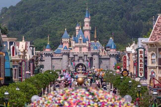 sleeping-beauty-castle_disney-castles_hong-kong_shih