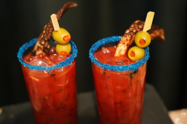 squids-revenge_walt-disney-world-50th-anniversary-drinks_shuster