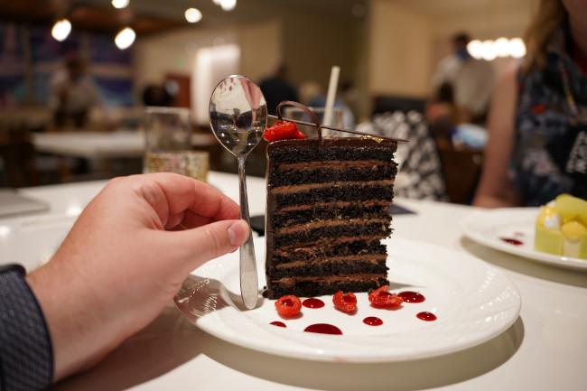 chocolate-cake_steakhouse-71-review_menus_shuster