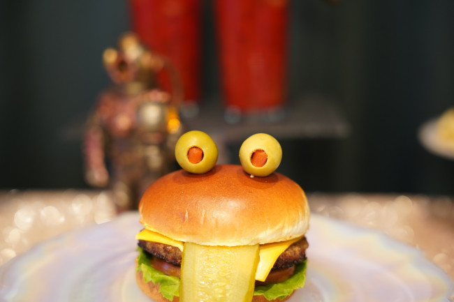 toad-burger_walt-disney-world-50th-anniversary-food_shuster