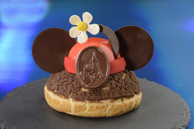 vintage-minnies-brown-butter-profiterole-grand-floridian_walt-disney-world-50th-anniversary-meny_food-and-drink_disney