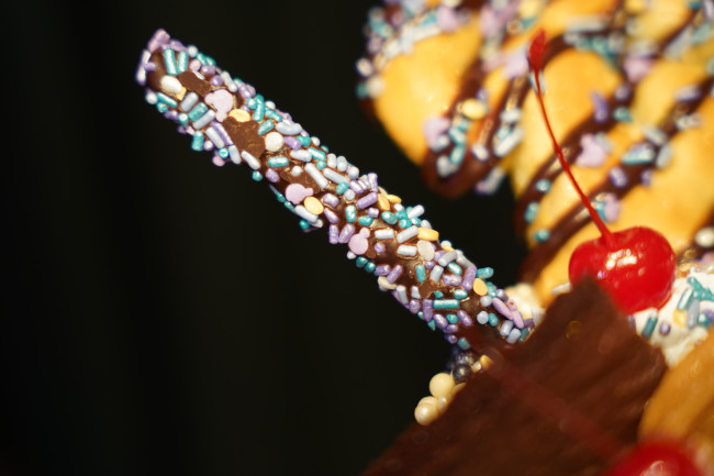 cheers-to-50-years_walt-disney-world-50th-anniversary-food_shuster