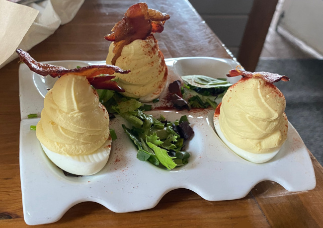 deviled-eggs_chef-art-smiths-homecomin'-review_freilich
