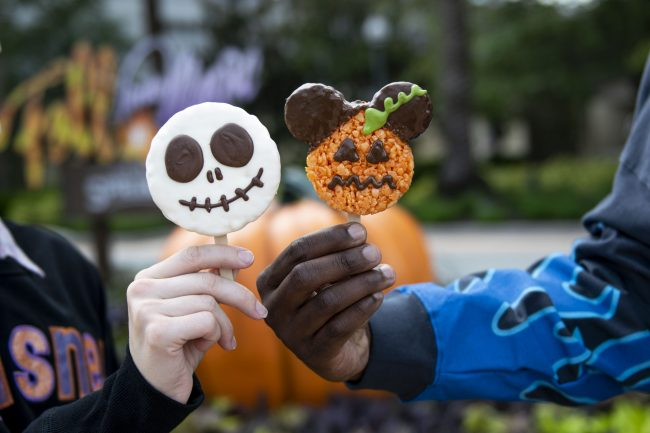 disney-springs-halloween-food-and-drinks-2021-candy-cauldron-goofys-cando-co-jack-skellington-mickey-pumpkin-riced-cereal-treat_disney-parks-blog