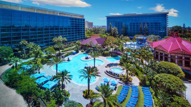 disneyland-hotel-aerial-view_pros-cons-disneyland-hotel_disney