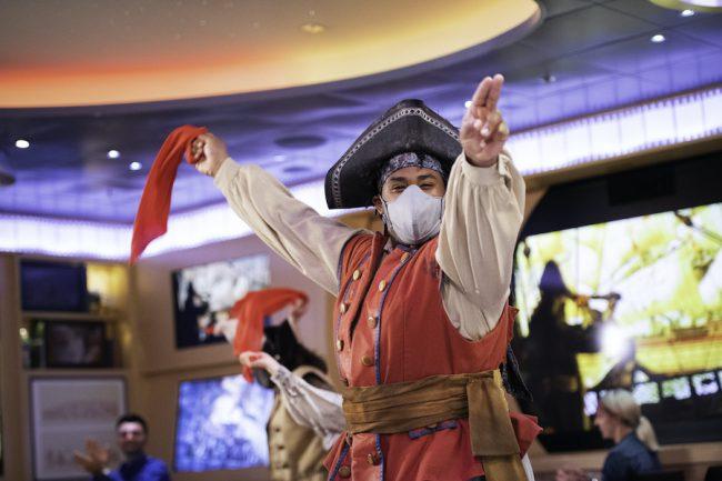 pirate-night-disney-cruise-entertainment-dream-fantasy_disney-parks-blog