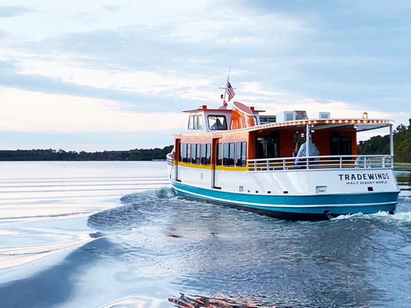 walt-dinsey-world-tradewinds-motor-cruiser-boat-rear-featured_disney-parks-blog