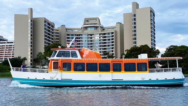 walt-dinsey-world-tradewinds-motor-cruiser-boat-side_disney-parks-blog